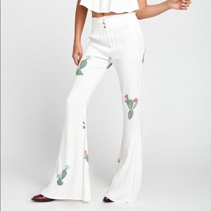 WILDFOX Cactus Flower Bell Bottom White Pants